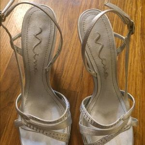Nina satin formal occasion 4 inch heel size 10